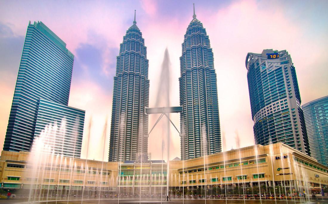 آشنایی با برجهای دوقلوی پتروناس کوالالامپور در تور مالزی
