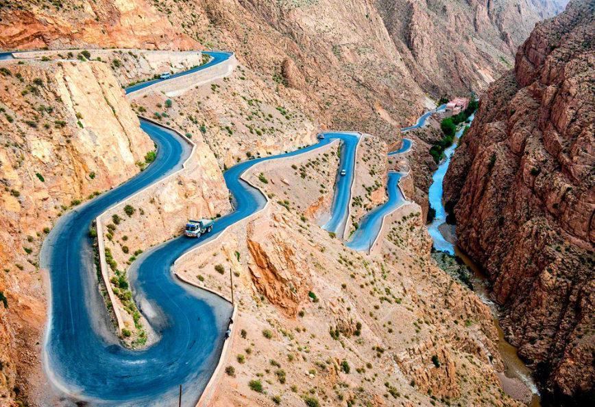 جاده های خیره کننده در کوه های اطلس، مراکش