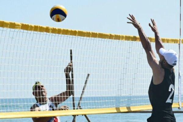 نخستین دوره مسابقات والیبال ساحلی کاپ آزاد کشور در رودسر شروع شد