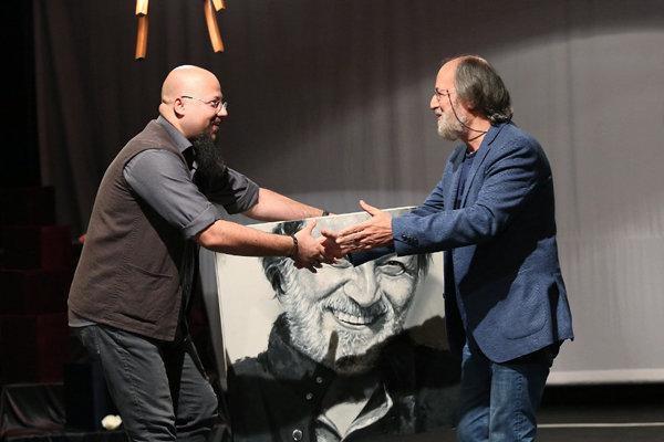 جشنواره تئاتر باران انتها یافت، انتخاب سه نمایش برای فراوری و اجرا