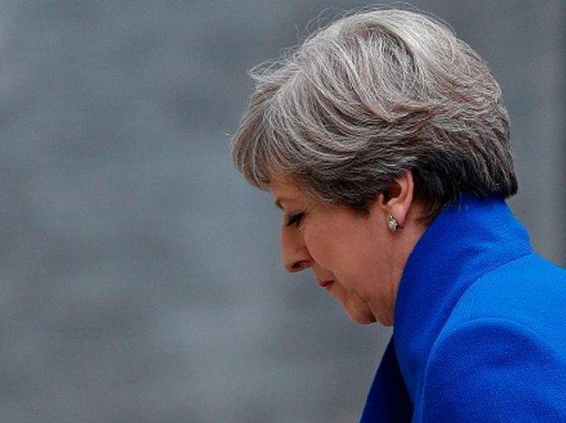 ترزا می زیر تیغ؛ مجلس عوام عدم اعتماد به نخست وزیر را به رای می گذارد