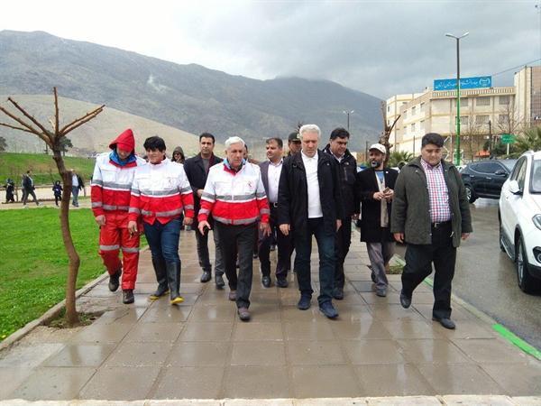 بازدید رئیس سازمان میراث فرهنگی از بوستان زیبا کنار و رودخانه خرم آباد
