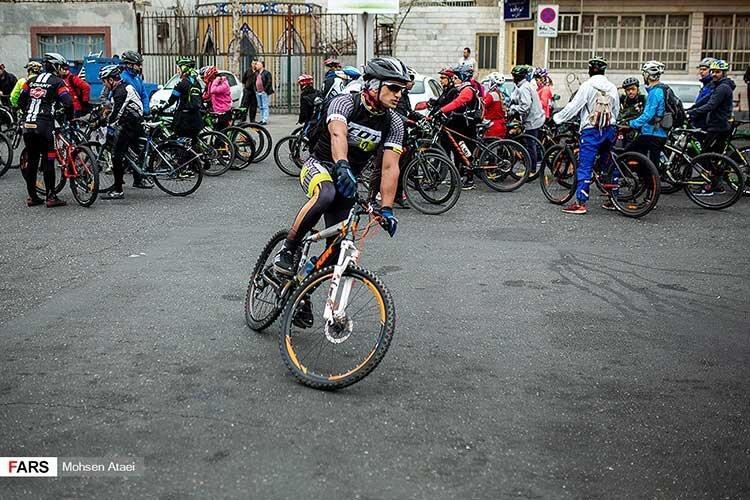 کوشش پایتخت دوچرخه سواری دنیا برای تشویق به رکاب زنی ، 99 درصد مردم هلند دوچرخه سوارند