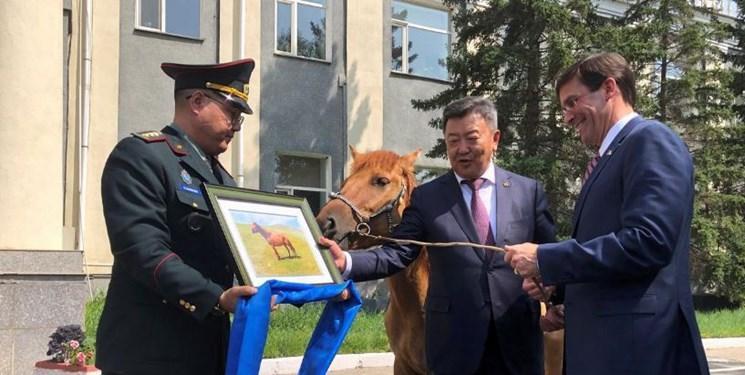 سفر وزیر دفاع آمریکا به مغولستان با هدف مقابله با روسیه و چین