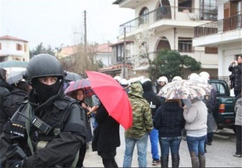 اعتراضات یونانی ها علیه شرکت طلای کانادایی به خشونت کشیده شد