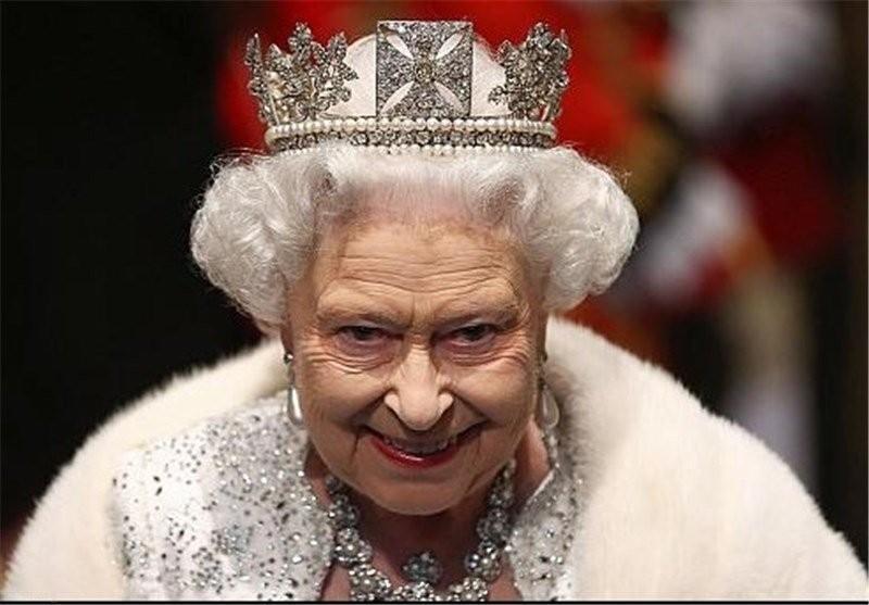 5 کار ساده ای که ملکه انگلستان هرگز انجام نداده است
