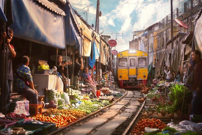 بازارچه ریلی مائه کلونگ بانکوک؛ خریدی متفاوت و البته خطرناک