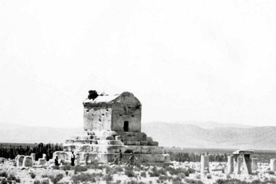 تصاویری تاریخی از آرامگاه کوروش و مقایسه با شرایط امروز آنها ، از کاخ پذیرایی کوروش تا تخت مادر سلیمان