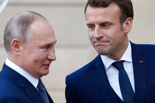 پوتین و ماکرون بر اهمیت مبارزه با تروریسم تأکید کردند