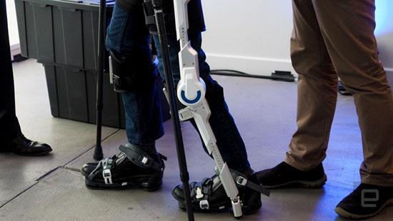 راه رفتن با ربات اسکلتی ایرانی برای معلولان راحت تر می گردد