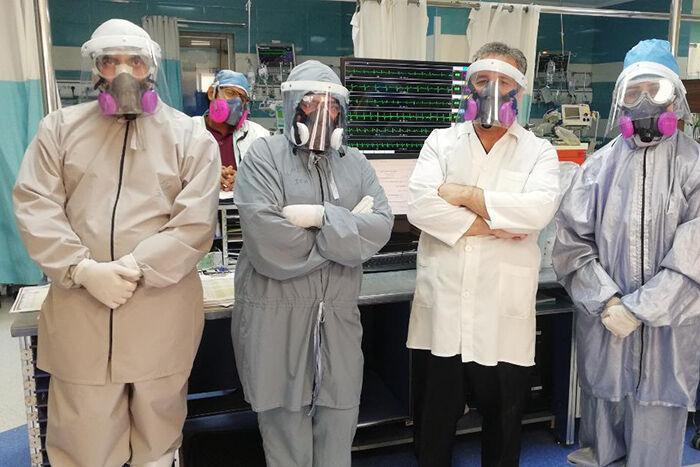 خبرنگاران زرتشتیان یزد 400 بسته بهداشتی و محافظ به کادر درمانی هدیه کردند