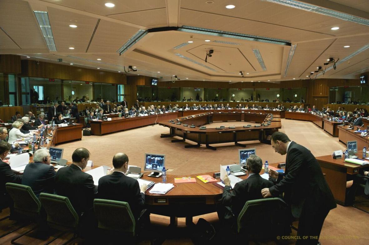 نشست فوق العاده اتحادیه اروپا با محور ناآرامی های بلاروس و انفجار لبنان