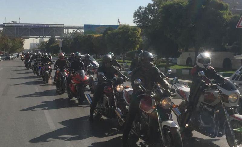 خبرنگاران رژه موتورهای سنگین و خودروهای کلاسیک در مشهد برگزار گشت
