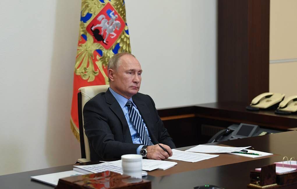 خبرنگاران دستور پوتین برای شروع واکسیناسیون عمومی در روسیه از هفته آینده