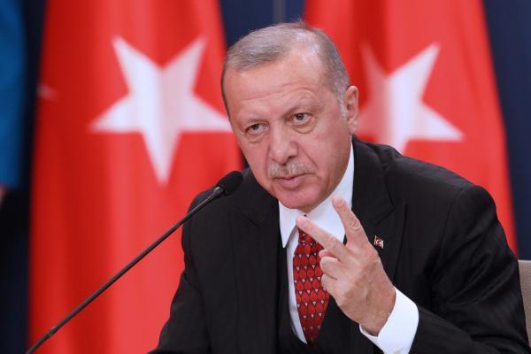 اردوغان: ماکرون ابتدا مشکل جلیقه زردها را حل نماید